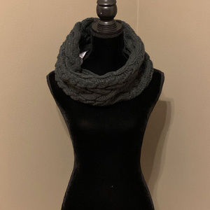 GAP Women's Multiple Use Scarf